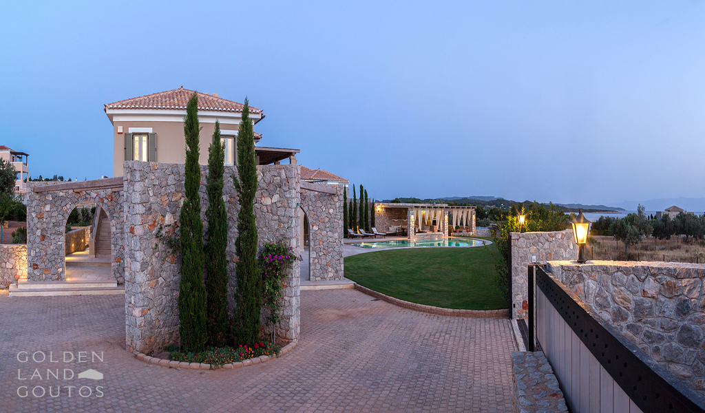 Luxury Villa Dennis by Golden Land Goutos