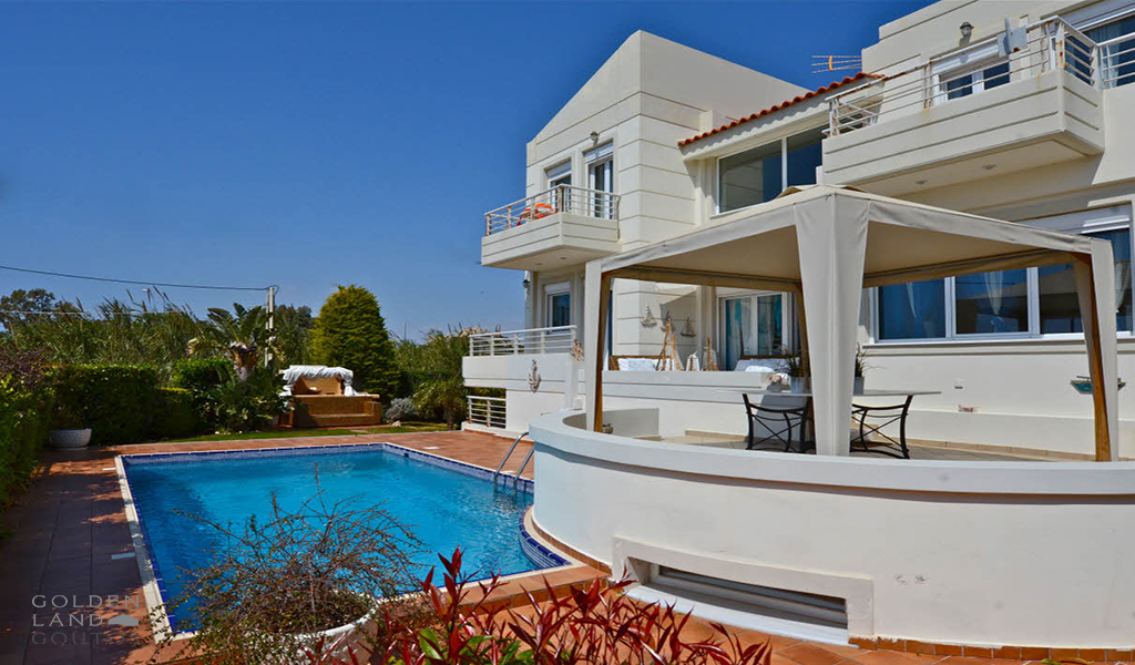 Luxury sea front Villa in lagonisi