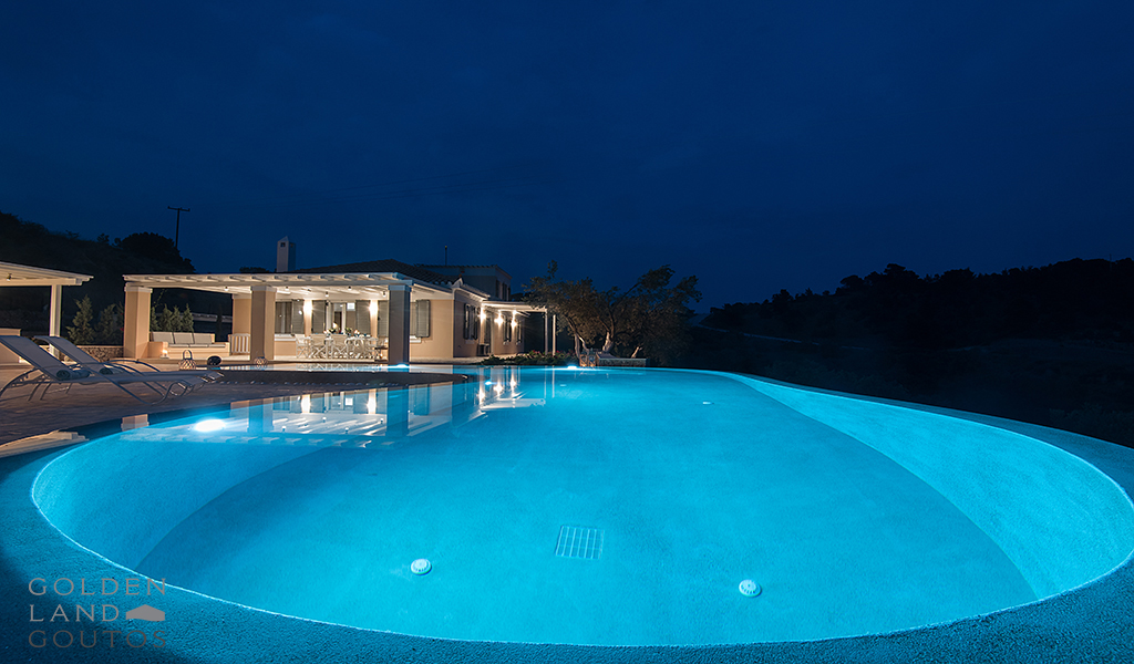 Villa Apollo with wide mountain views and sea scenery