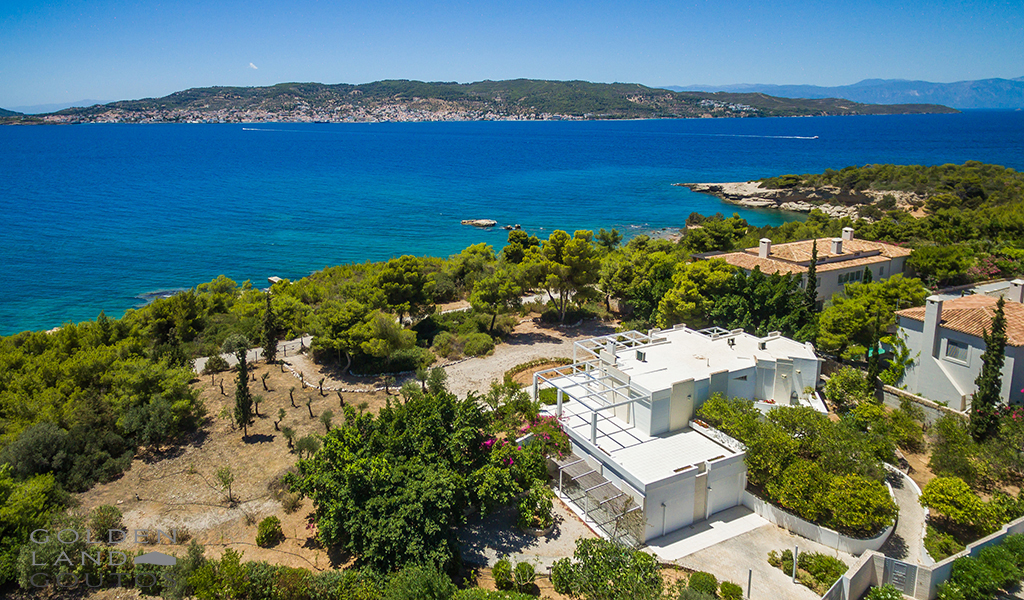Villa Visibility located in the heart of the Greek Riviera