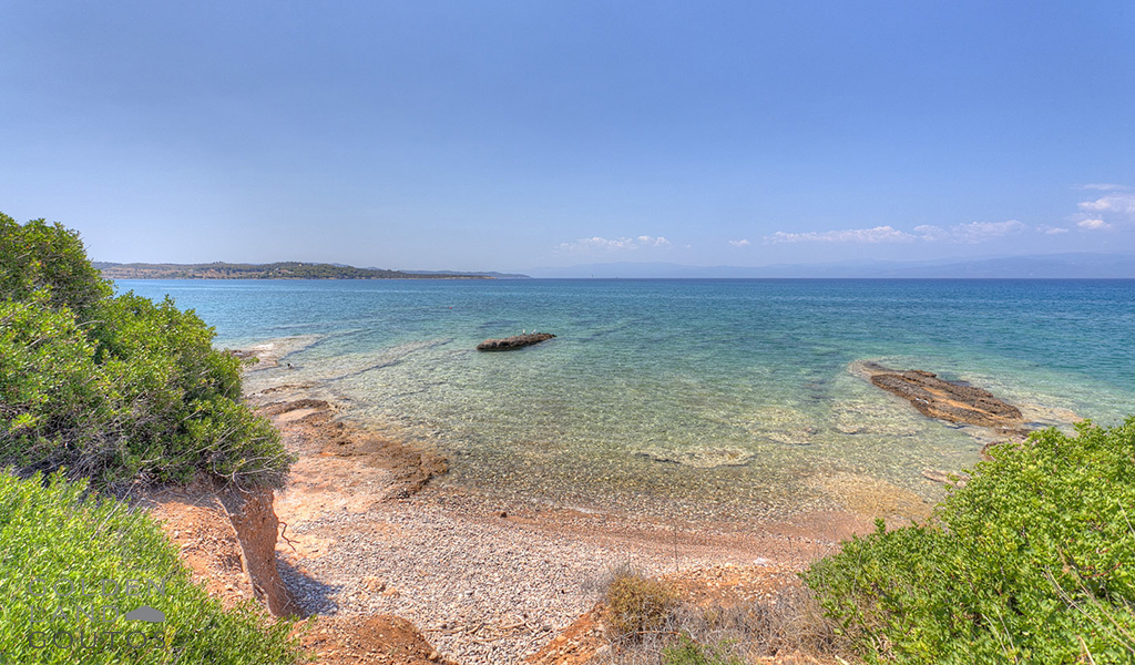 Seafront Plot of Land for sale in Ververonta