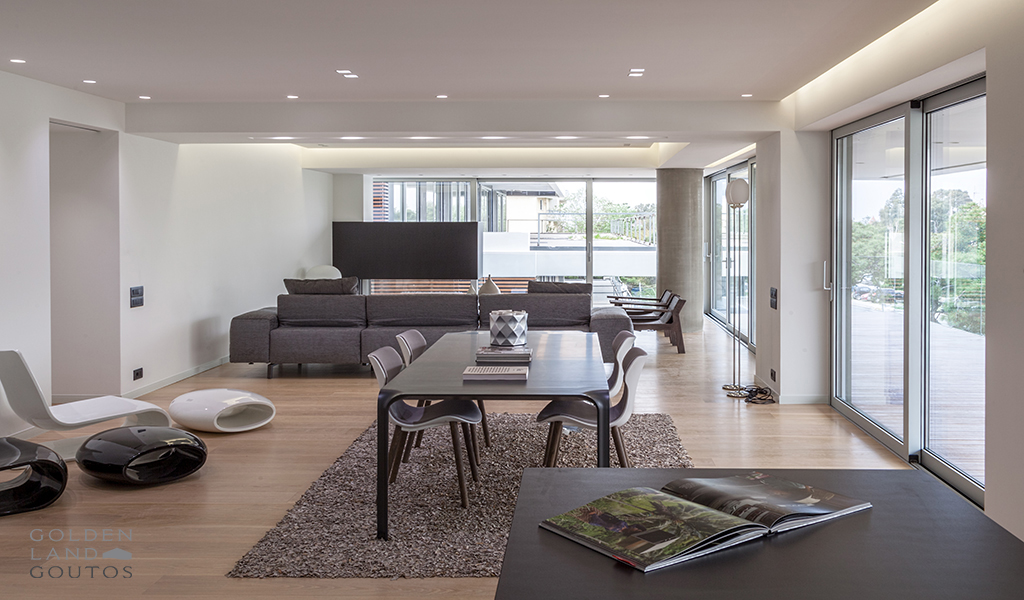 Minimal Complex In Glyfada Golf Area