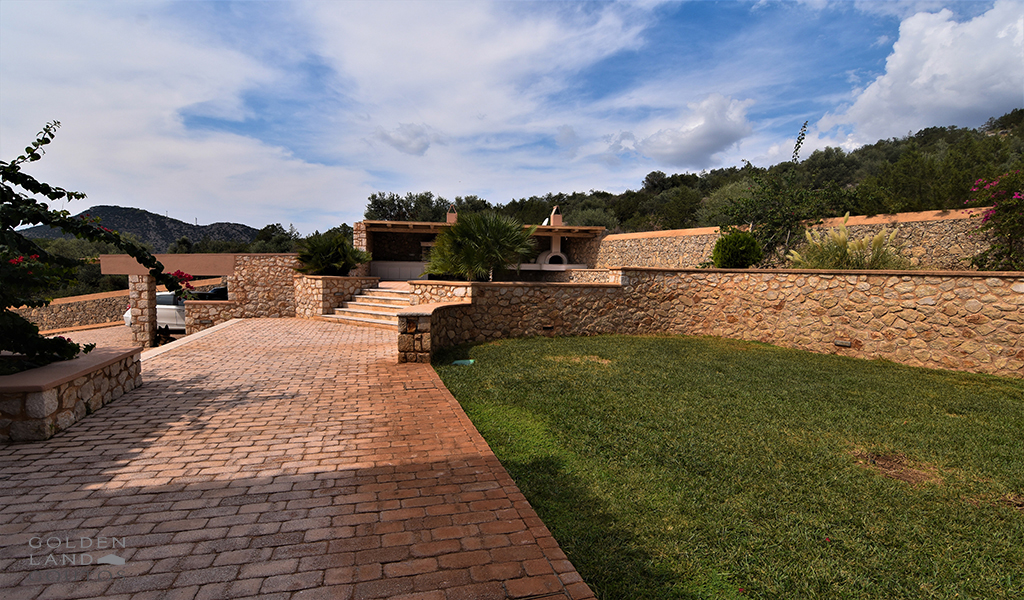 Highly equipped Villa Ermioni with astonishing views