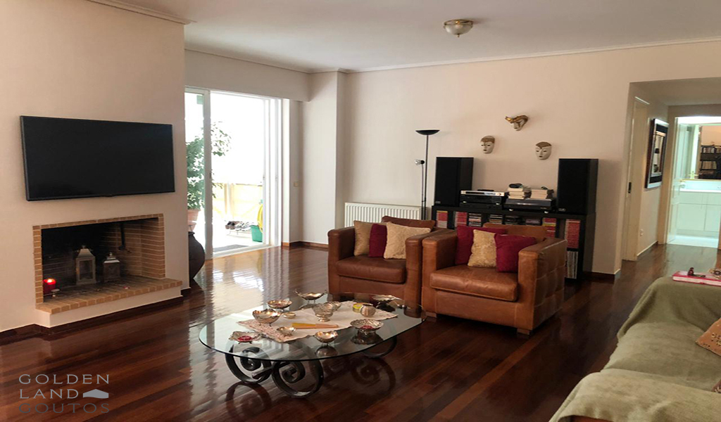 Apartment in Glyfada centre