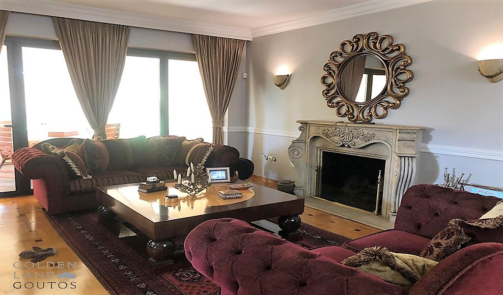 Exquisite apartment in Glyfada