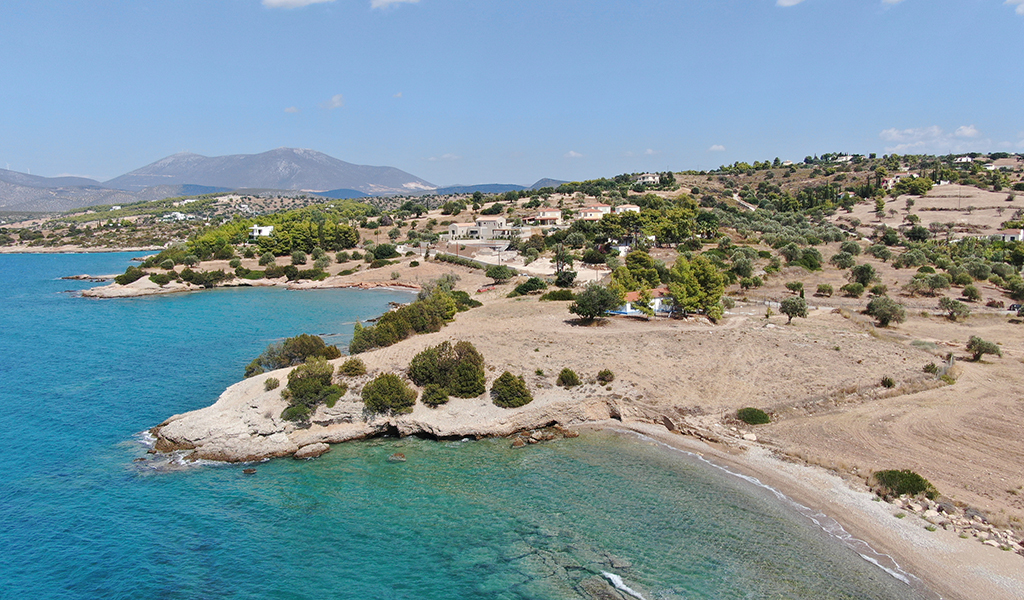 Seafront Plot in the area of Lakkes