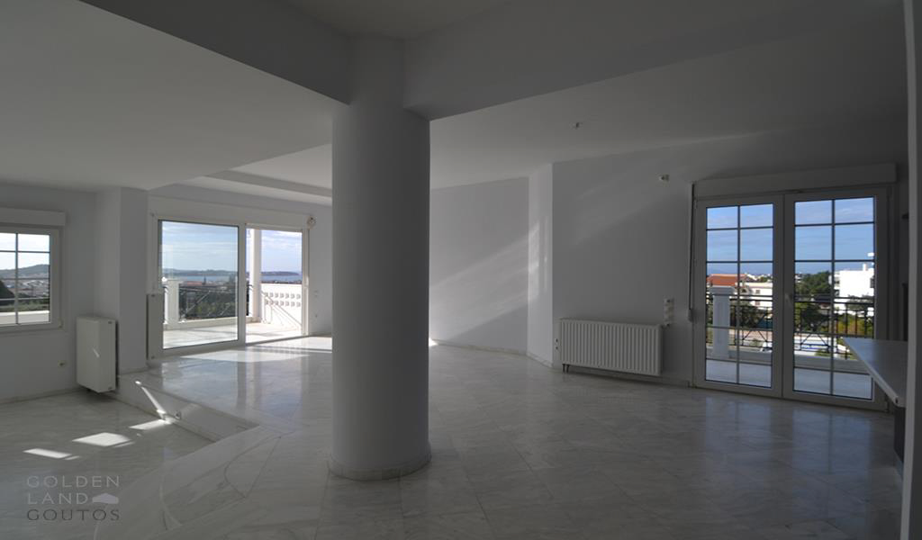 Charming Apartment with sea view in Voula