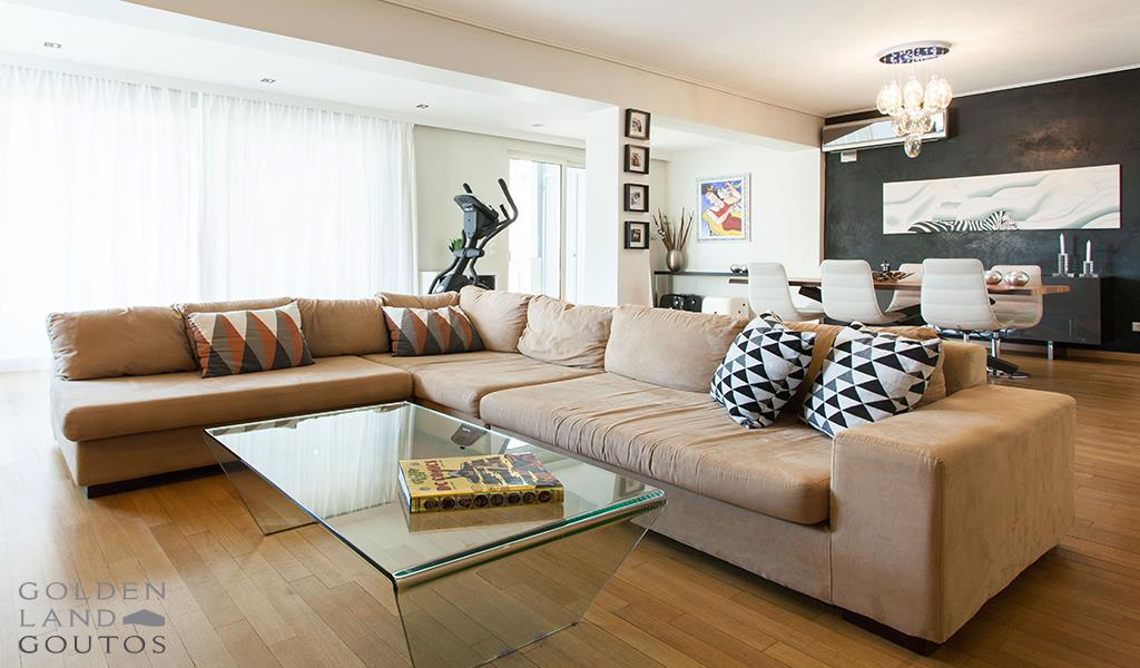 Elegant apartment with sea view in Glyfada