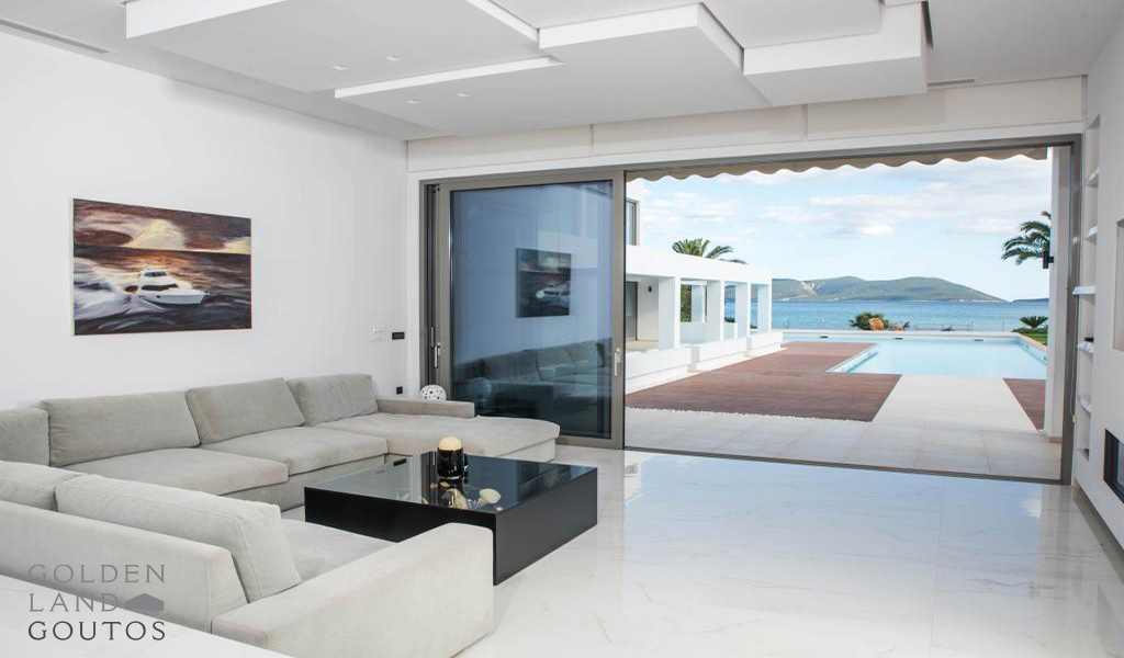 Modern Villa a seafront property with a wonderful view