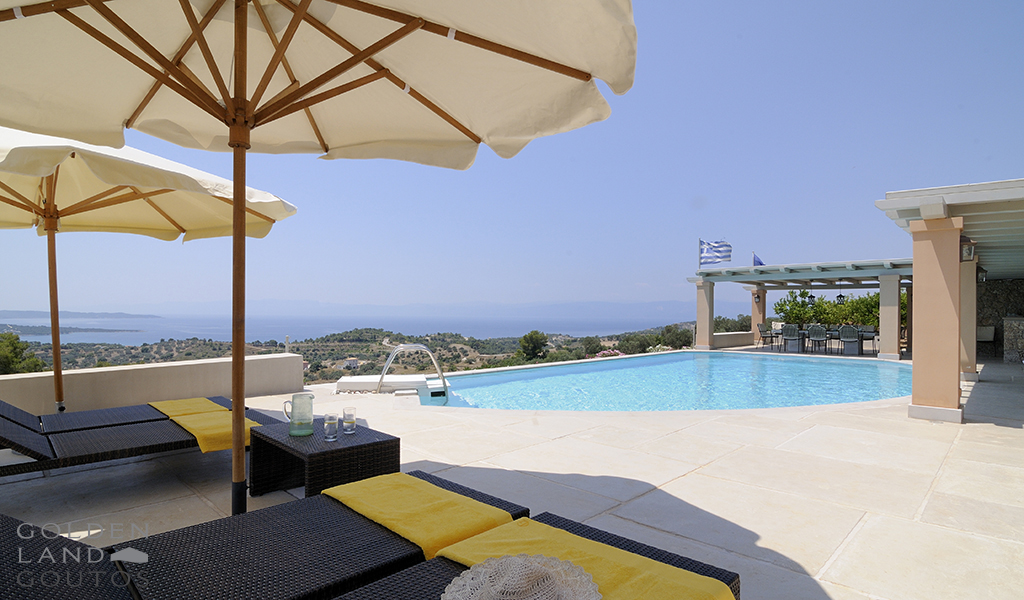 Villa Melissa is situated in the area of Agios Panteleimon