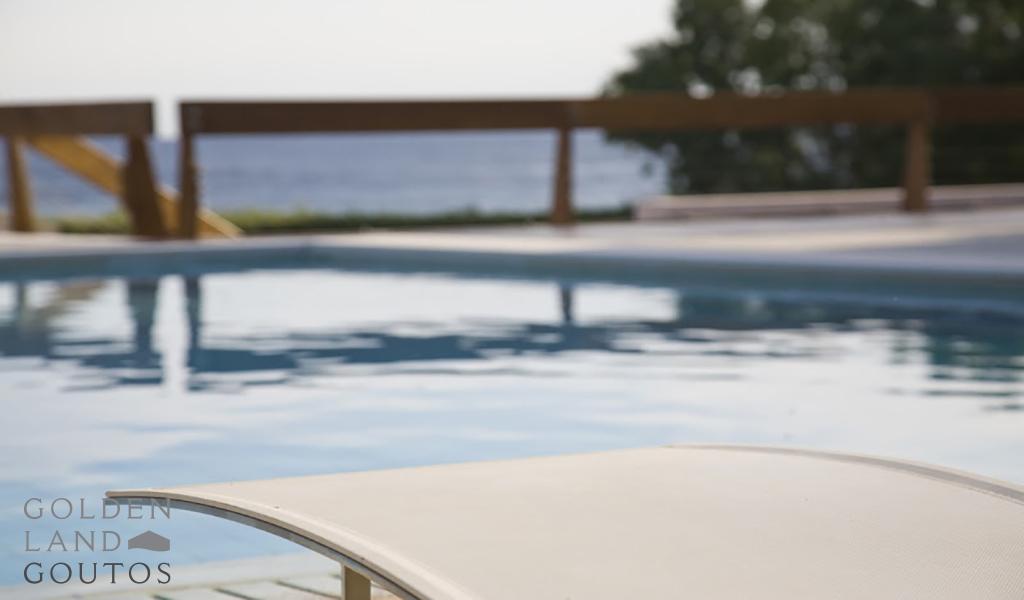 Premium villa on the beach in Mavro Lithari