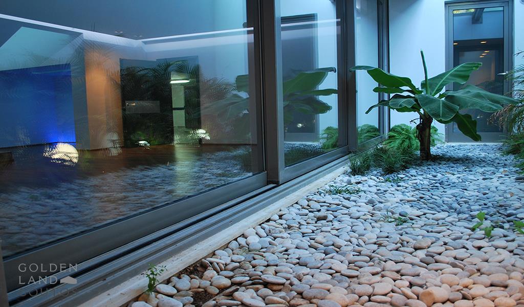Modern ground floor Maisonette in Elliniko