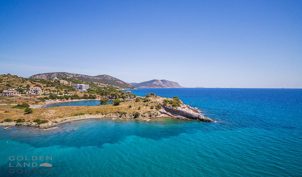 Seafront plot of land for sale 13.000 sqm