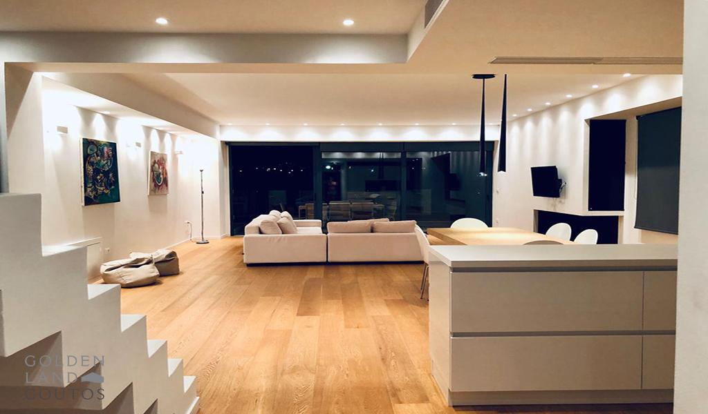 Exquisite Penthouse Maisonette in Elliniko
