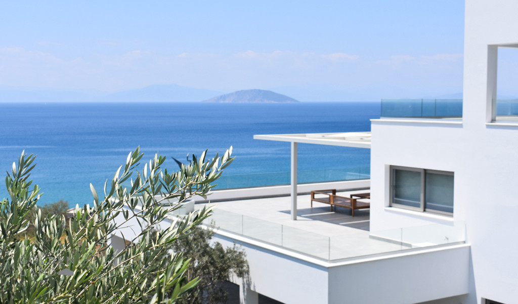 Villa Infinity for sale over the gulf of Argolis