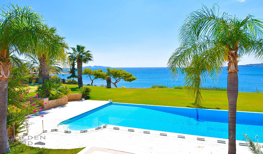 Seafront Villa Imposing for sale in Porto Heli