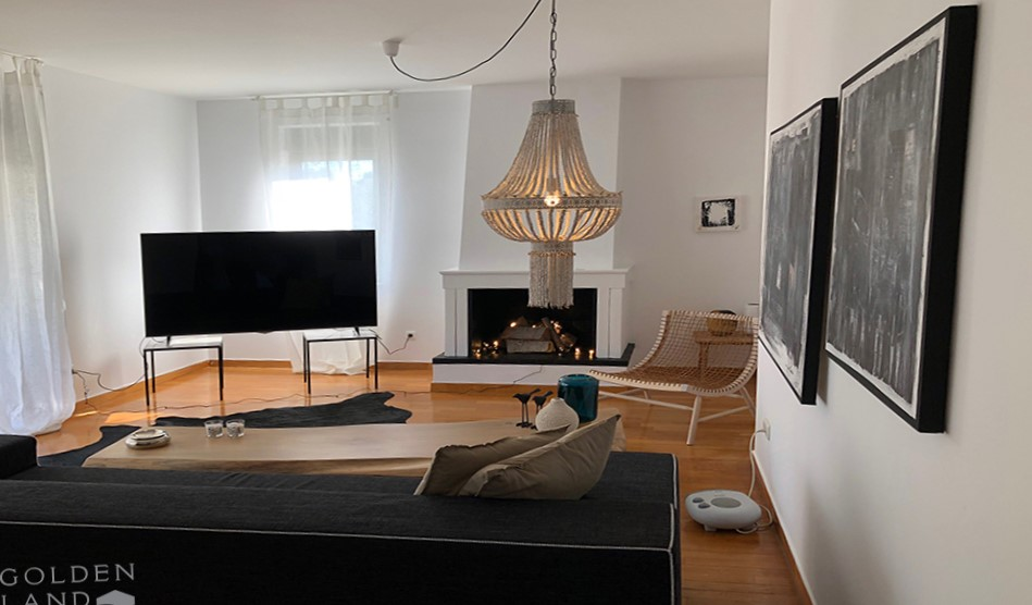 Minimal, furnished apartment in Voula