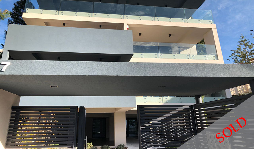 Newly built Pent house with sea view in Voula