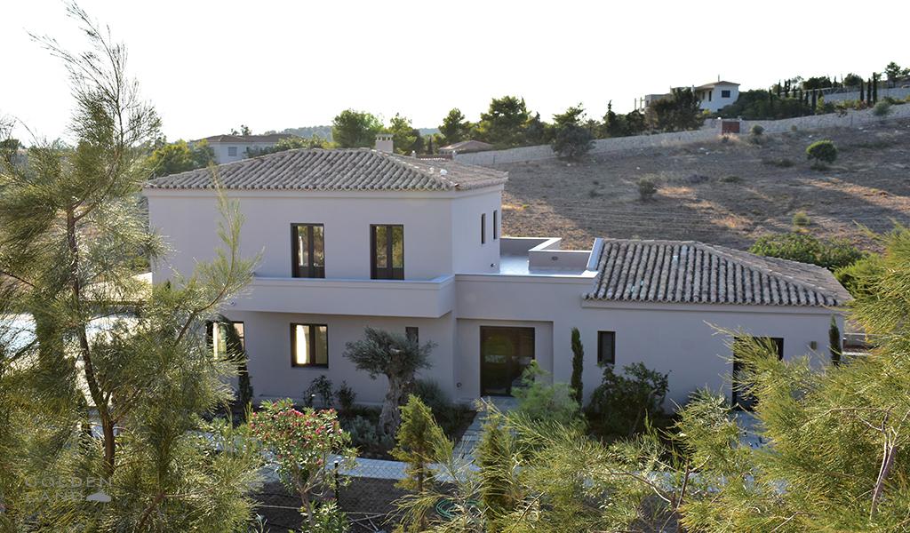 Prestigious seafront Villa Calma