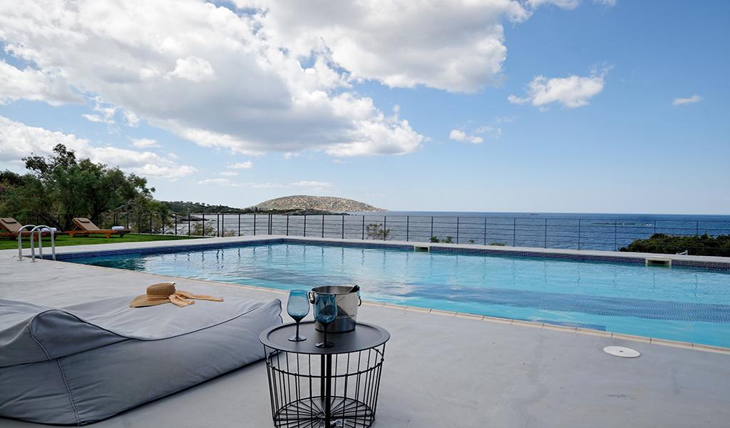 Seafront Villa in Saronida Athens