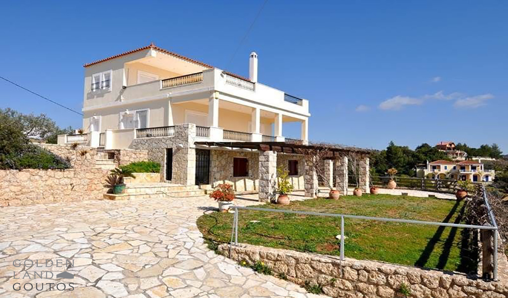 Detached House on a hill in Kranidi