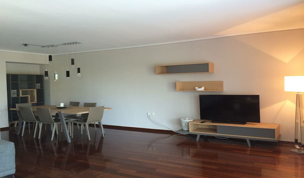 Renovated furnished Apartment in Kavouri Vouliagmeni