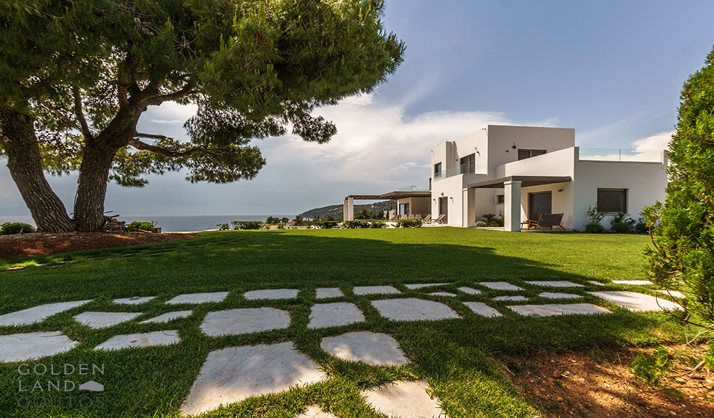 Villa Emerald with modern elements, in the area of Ververonda