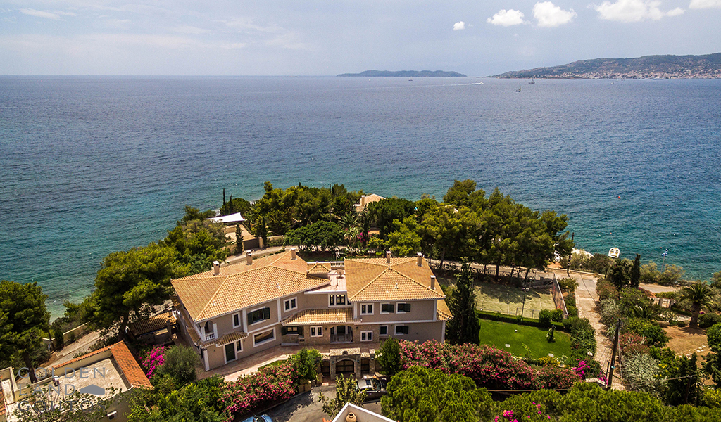 Elegant Seafront Villa Fortuna for sale