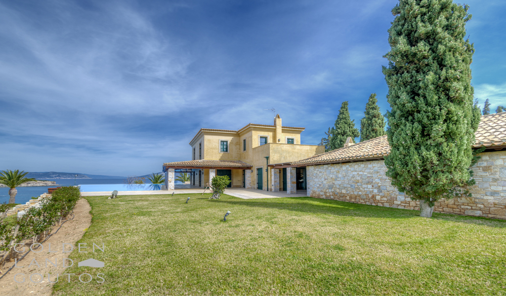 Villa Rustic with an astonishing architecture design