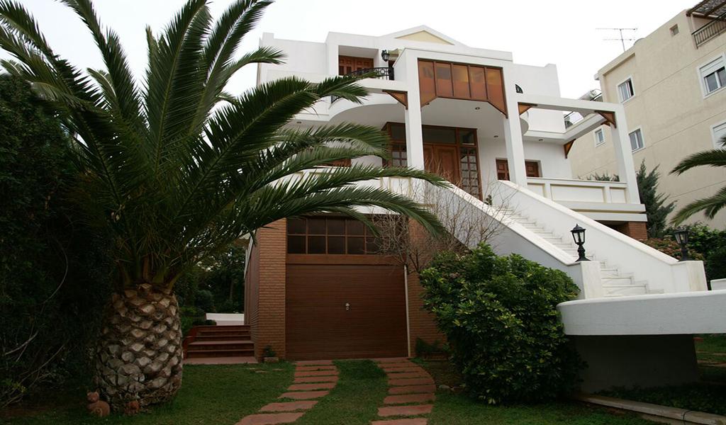 Cozy Villa in Voula