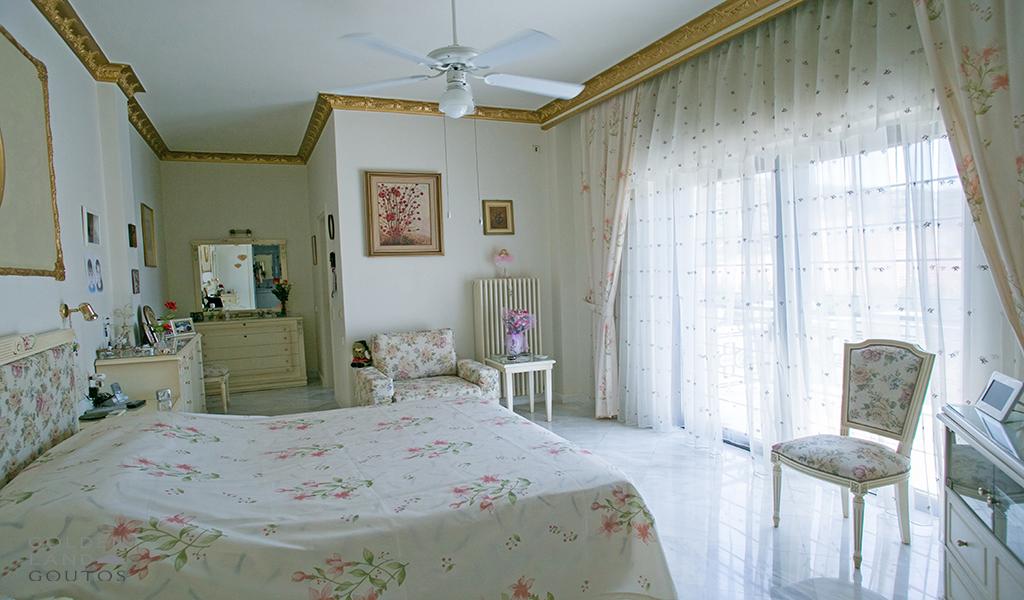 Unique Villa in Vari