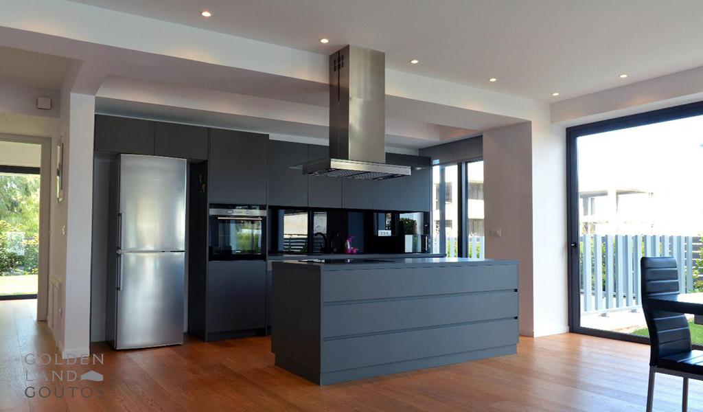 Wonderful ground floor Maisonette in Elliniko