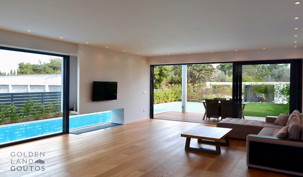 Luxurious Seaside Ground Floor Maisonette