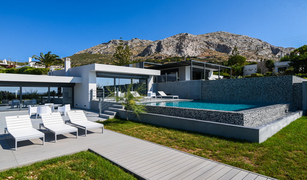 Two Minimal Properties on the beach in Palea Fokea