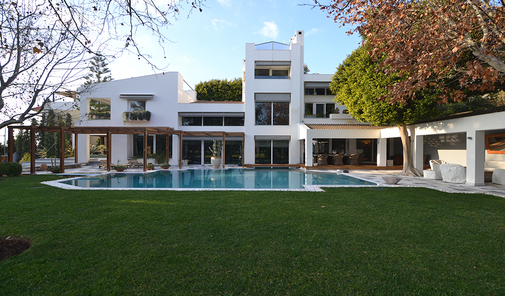 Exceptional Mansion near Golf Area in Glyfada