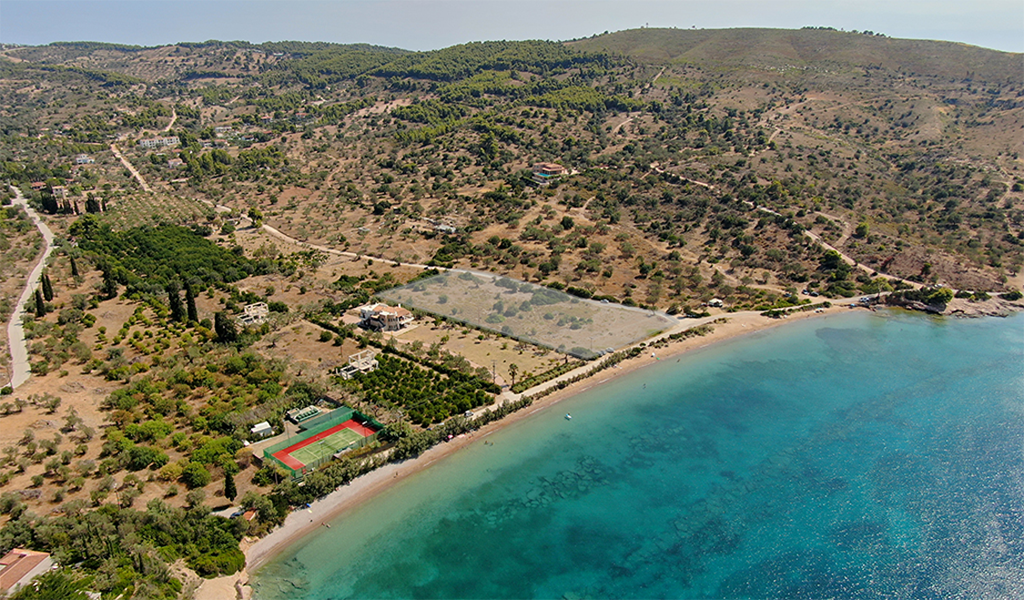Plot of 12800 sqm in Lakkes