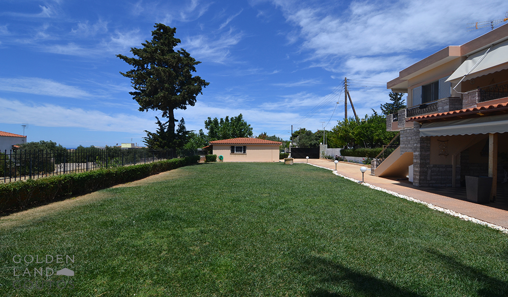 Detached House with Amazing View in Lagonisi