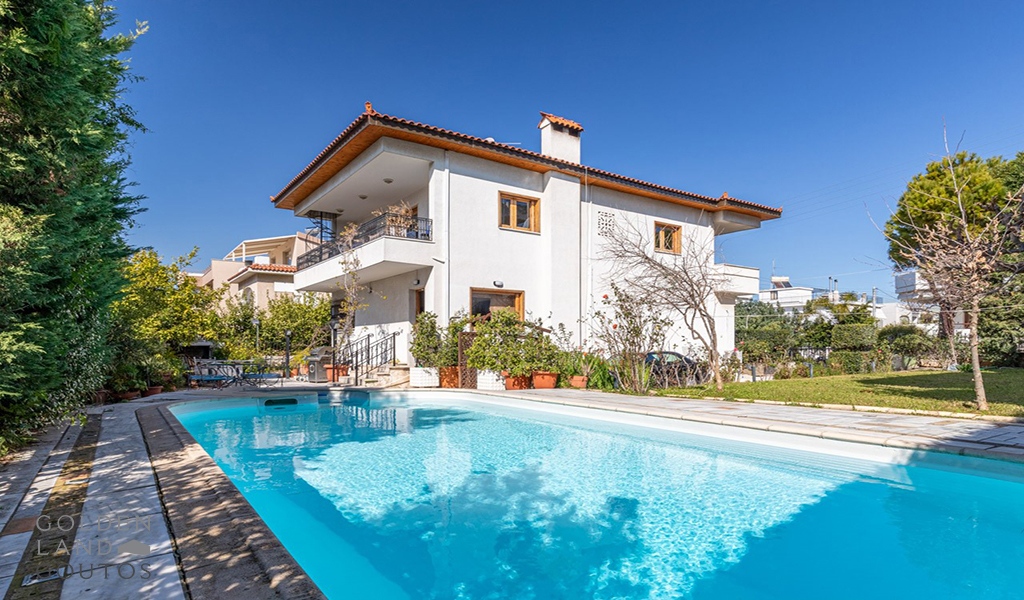 Stunning Detached House in Alimos