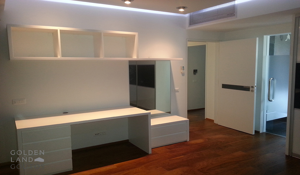 Dashing First Floor Apartment in Glyfada