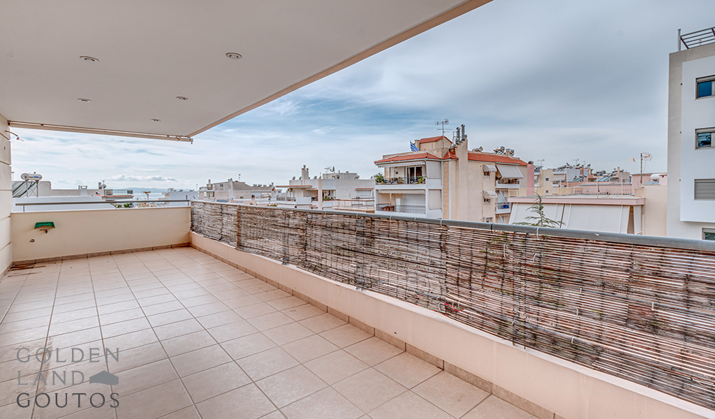Bright Floor Apartment in Glyfada
