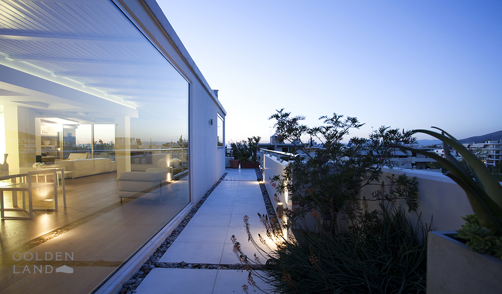 Serene and sophisticated penthouse maisonette with sea view in Voula