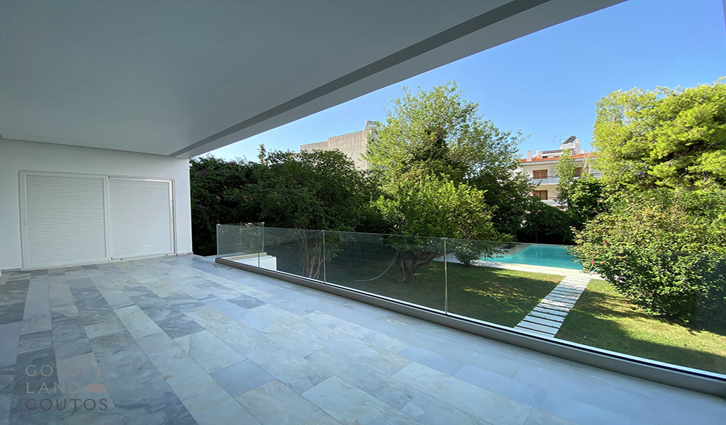 Minimal Maisonette with Private Pool in Voula