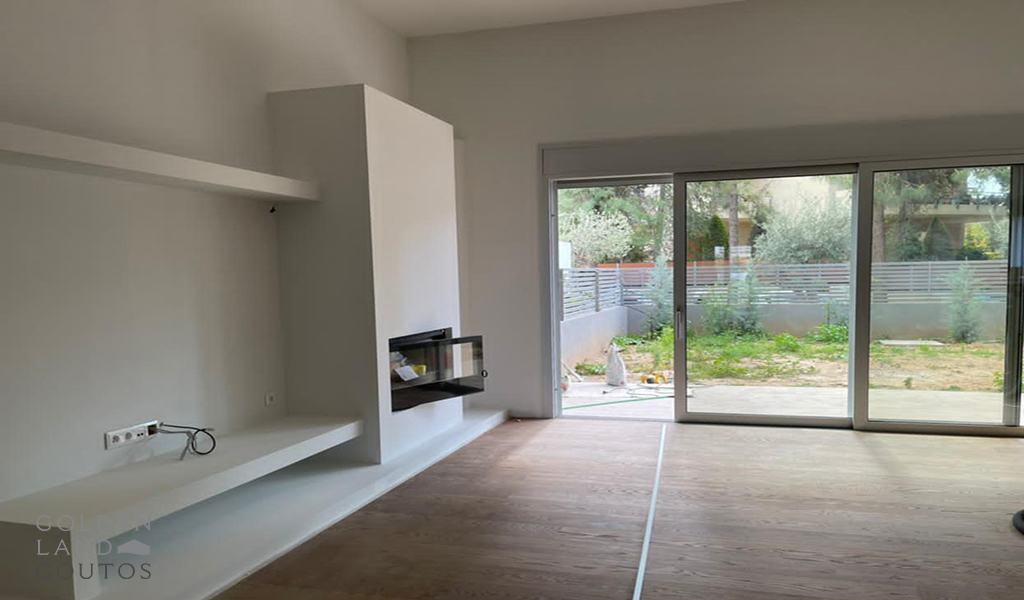 Newly Built Ground Floor Apartment in Voula