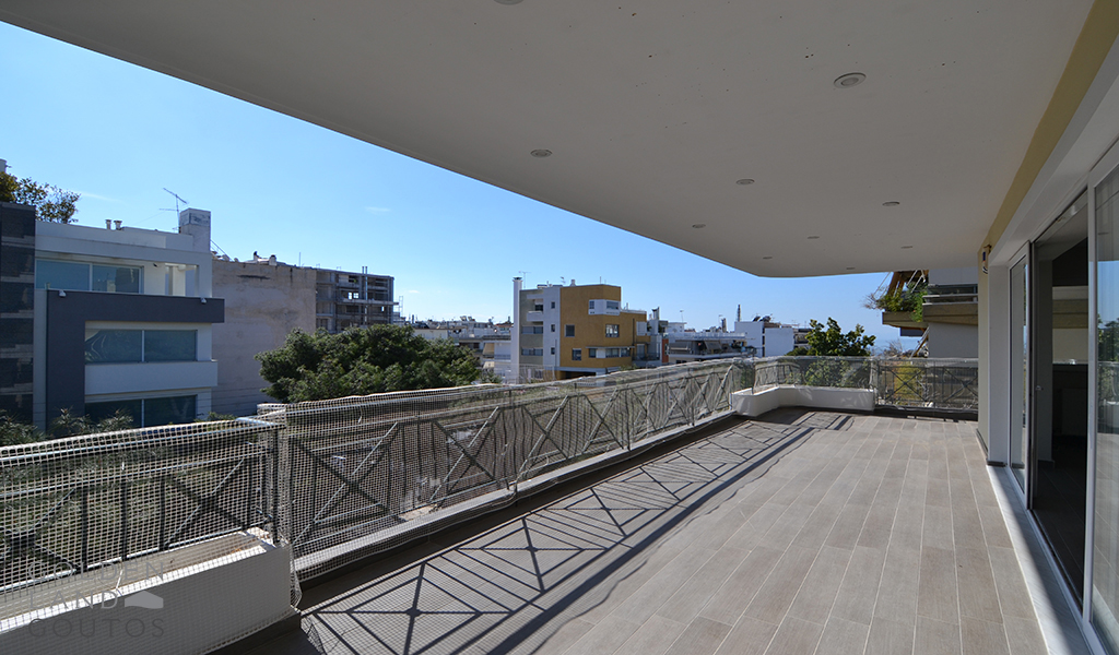 Bright Residence in the center of Glyfada