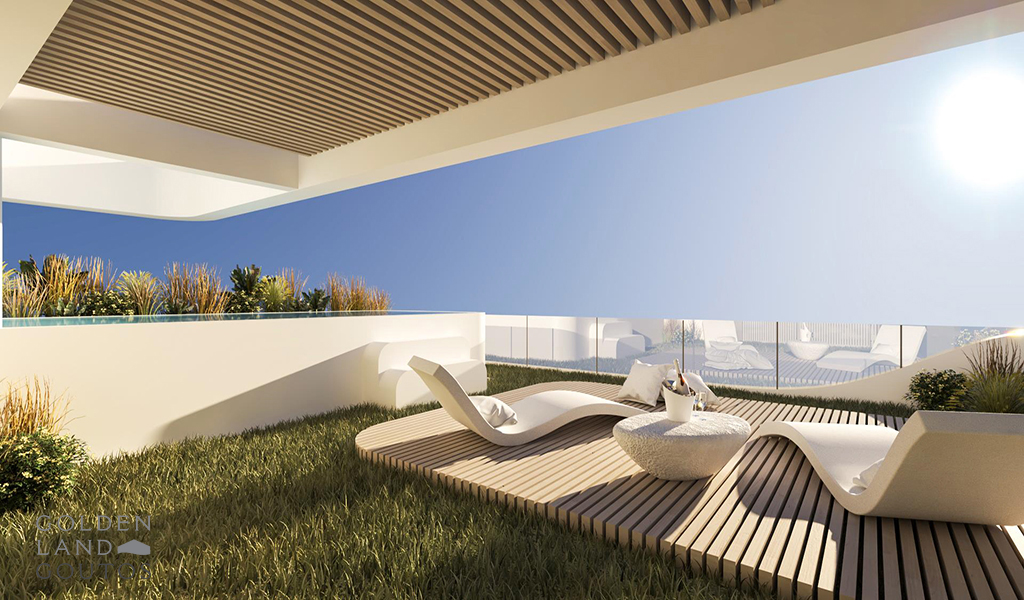 Luxurious Penthouse Maisonette with Pool in Glyfada