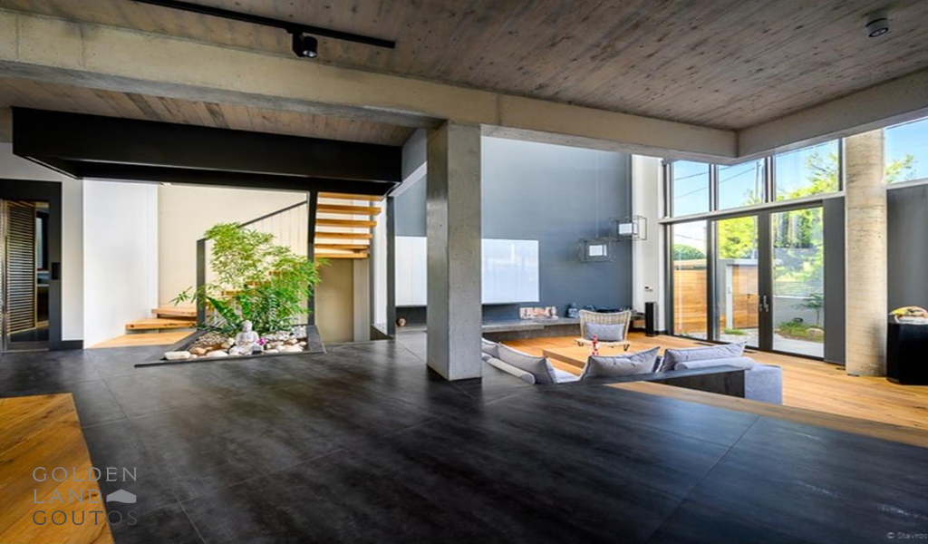 Unique Villa with panoramic view in Glyfada