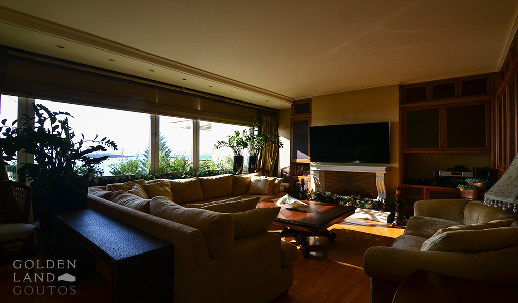 Exclusive Seafront Penthouse Maisonette in Voula