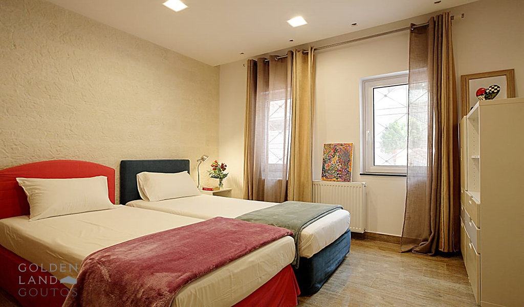 Luxurious Ground Floor Maisonette in Voula