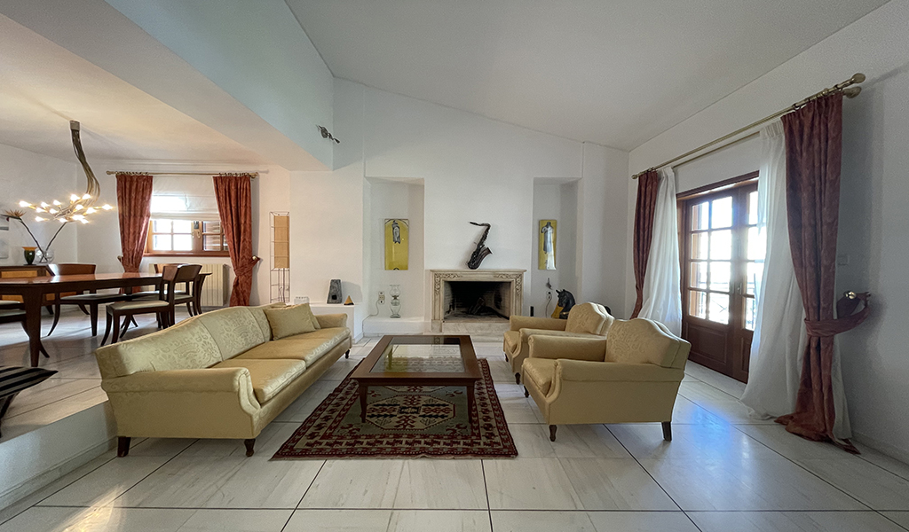 Fine Maisonette in Glyfada upper area