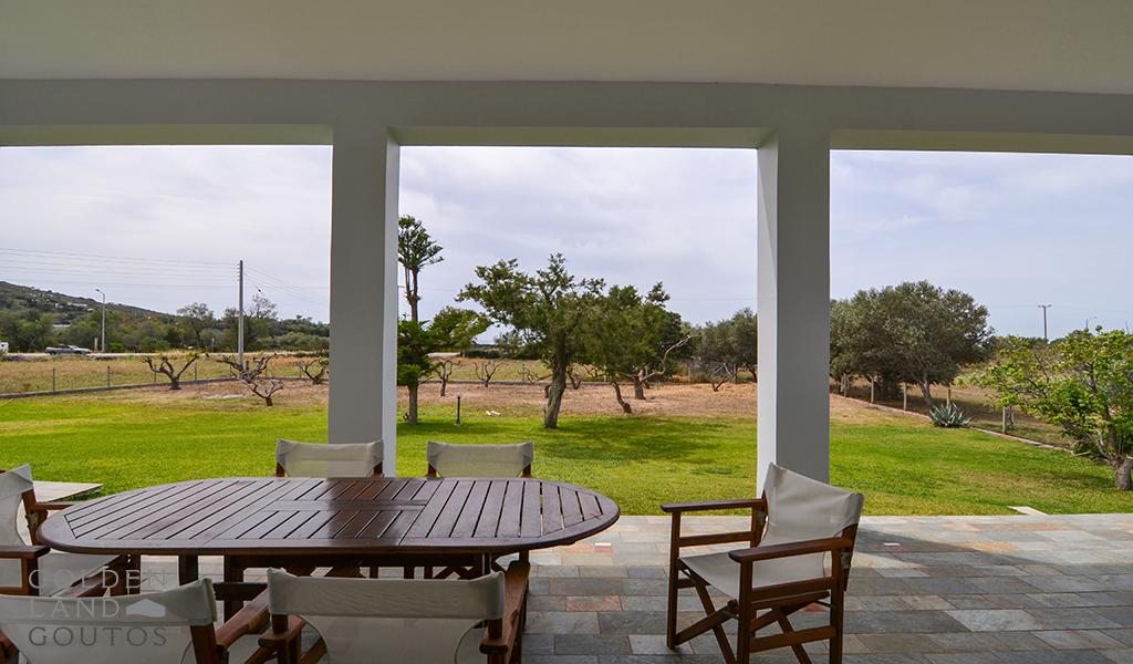Villa Next to the Sea in Legrena